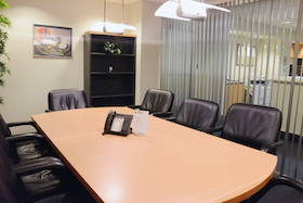 Park Avenue Meeting Room seats 8 people and includes Internet, conference calling